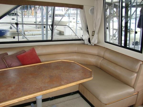 1999 Bayliner 3788 Command Bridge Motoryacht Photo 17 sur 90