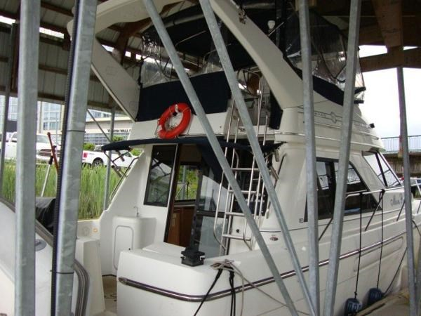 1999 Bayliner 3788 Command Bridge Motoryacht Photo 66 sur 90
