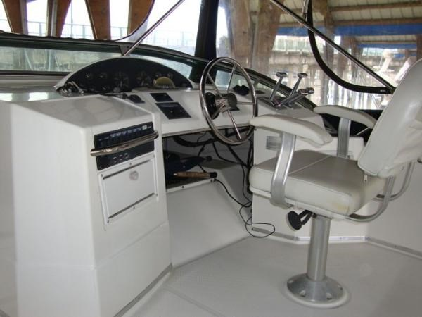 1999 Bayliner 3788 Command Bridge Motoryacht Photo 78 sur 90