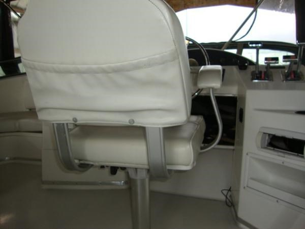 1999 Bayliner 3788 Command Bridge Motoryacht Photo 84 sur 90