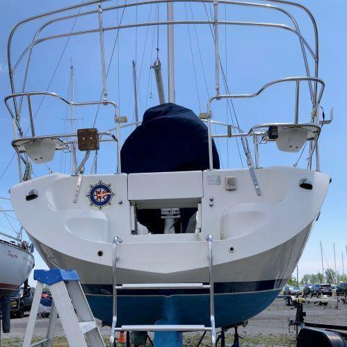 2003 Catalina 36 Mk II Photo 4 of 64