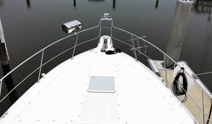 2001 Carver 404 Cockpit Motor Yacht Photo 13 sur 76