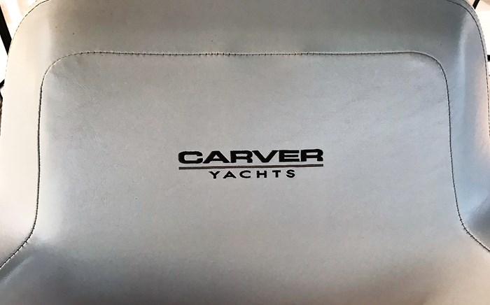 2001 Carver 404 Cockpit Motor Yacht Photo 41 sur 76