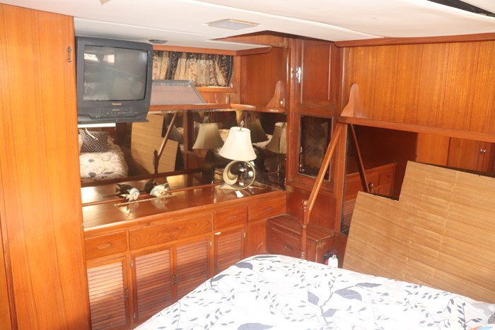 1987 Marine Trader 47 Photo 27 of 39