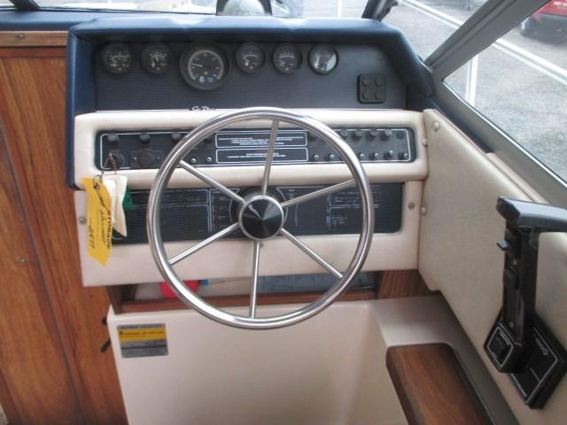 1986 Sea Ray 230 CC Photo 12 of 22