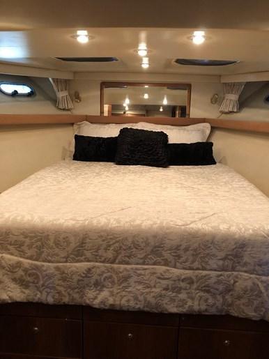 1999 Bayliner 4788 Pilothouse Motor Yacht Photo 7 of 24