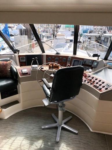 1999 Bayliner 4788 Pilothouse Motor Yacht Photo 18 of 24