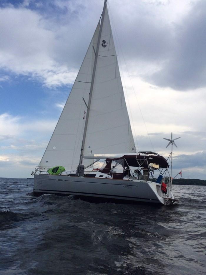 2014 Beneteau Oceanis 37 Photo 2 sur 40