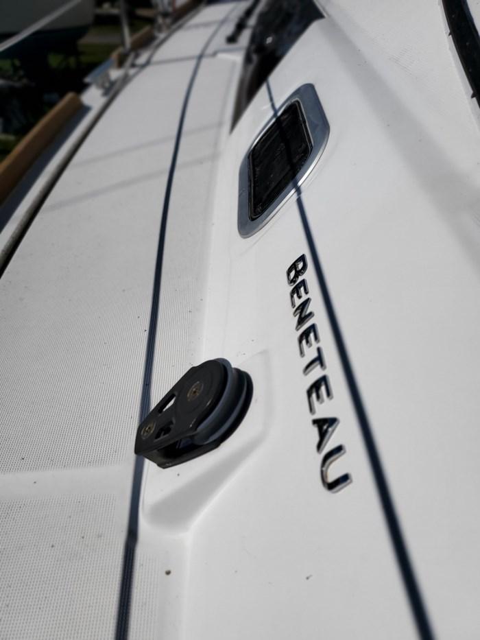 2014 Beneteau Oceanis 37 Photo 17 sur 40
