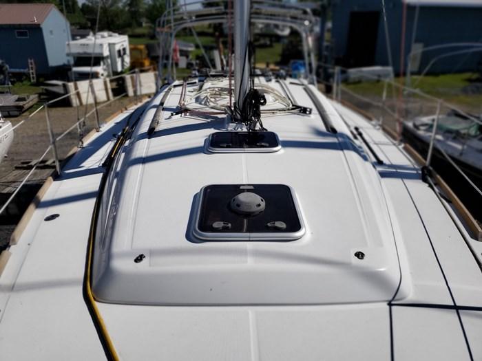 2014 Beneteau Oceanis 37 Photo 23 sur 40
