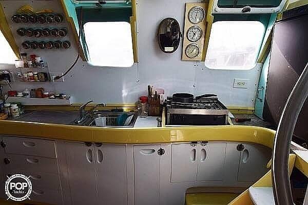 2015 Custom 49 World Cruiser Photo 9 sur 20