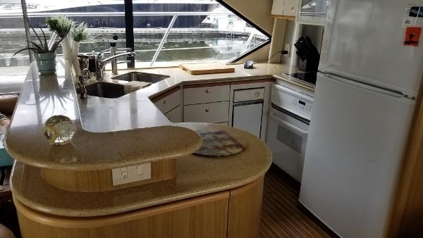 2001 Bayliner 5788 Pilot House Motoryacht Photo 11 sur 111