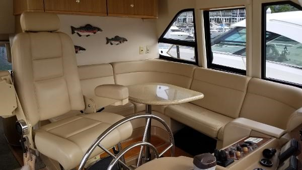 2001 Bayliner 5788 Pilot House Motoryacht Photo 28 sur 111