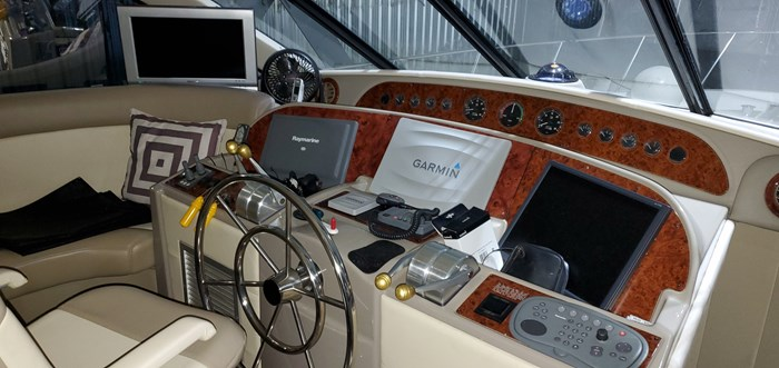 1999 Bayliner / Meridian in 2003 5288 Motoryacht, Pilothouse Photo 33 of 92