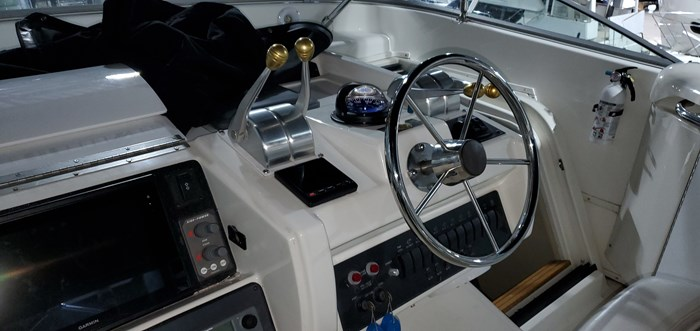 1999 Bayliner / Meridian in 2003 5288 Motoryacht, Pilothouse Photo 22 of 92