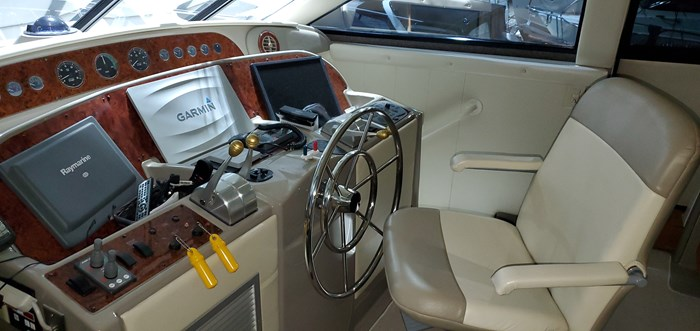 1999 Bayliner / Meridian in 2003 5288 Motoryacht, Pilothouse Photo 34 of 92