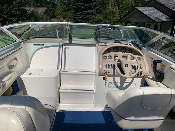 1995 Sea Ray Signature 220 Photo 10 of 30