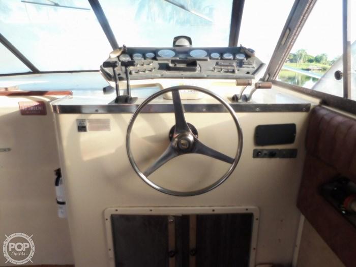 1982 Trojan 10 Meter International Sedan Flybridge Photo 4 sur 20