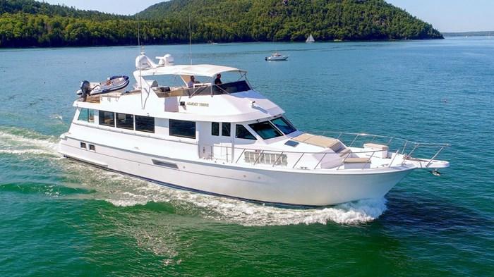 1998 Hatteras Motor Yacht Photo 1 sur 53