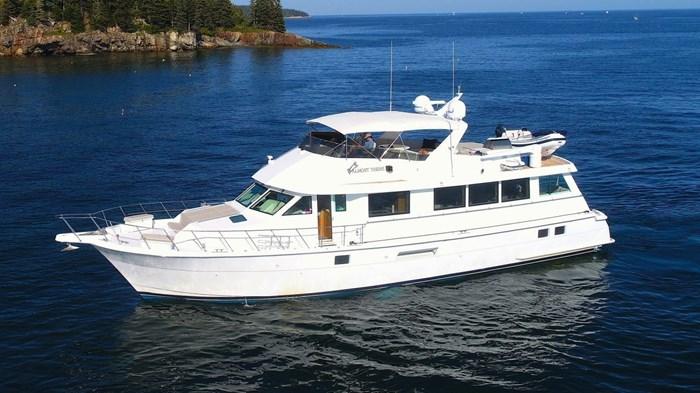 1998 Hatteras Motor Yacht Photo 2 sur 53
