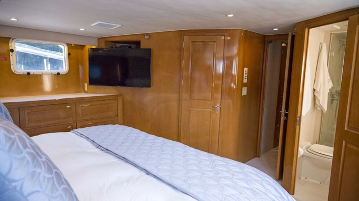 1998 Hatteras Motor Yacht Photo 21 sur 53