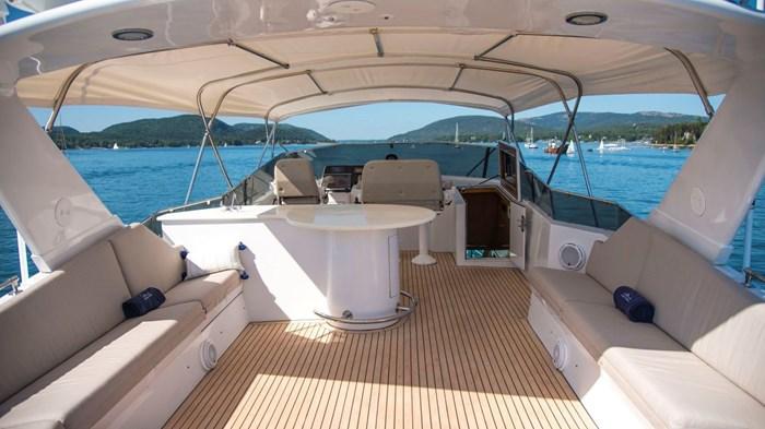 1998 Hatteras Motor Yacht Photo 32 sur 53