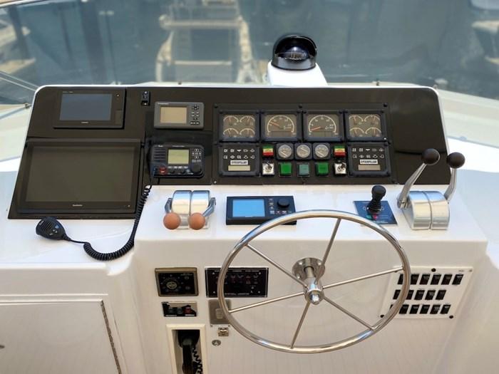 1998 Hatteras Motor Yacht Photo 33 sur 53