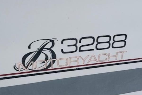 1990 Bayliner 3288 Motoryacht Photo 24 sur 24