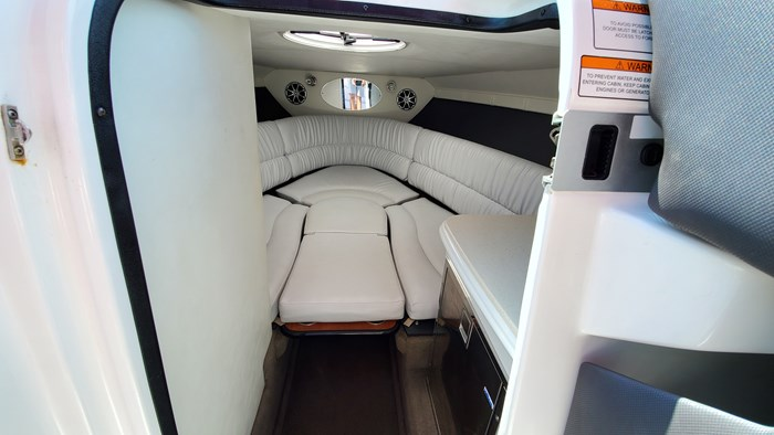 2014 Cruisers Yachts 279 Sport series Photo 3 sur 10