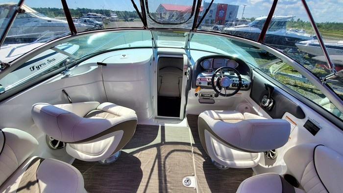 2014 Cruisers Yachts 279 Sport series Photo 5 sur 10