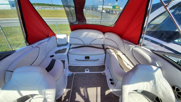 2014 Cruisers Yachts 279 Sport series Photo 7 sur 10