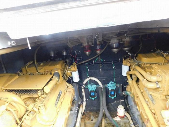 1988 Sea Ray 460 EXPRESS CRUISER Photo 8 sur 20