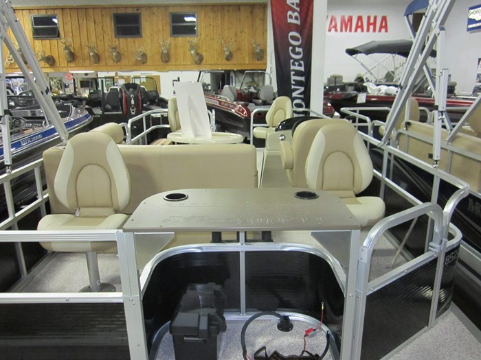 2022 Montego Bay 8520 Fish Cruise Deluxe Models Avail Photo 3 sur 3
