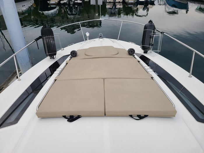 2015 Sea Ray 350 Sundancer Photo 6 sur 31
