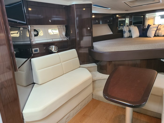 2015 Sea Ray 350 Sundancer Photo 15 sur 31