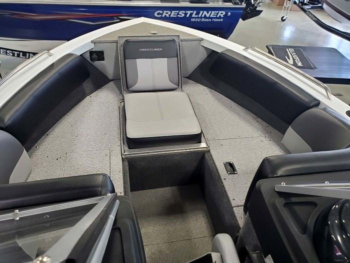 2019 Crestliner 1850 Sportfish SST Photo 14 sur 14