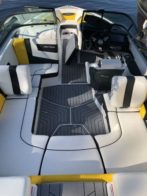 2019 NAUTIQUE SUPER AIR 210 Photo 3 of 5