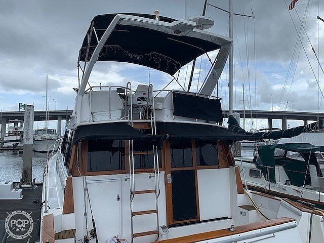 1990 Bayliner 3888 motoryacht Photo 3 sur 20