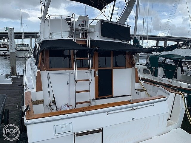 1990 Bayliner 3888 motoryacht Photo 4 sur 20