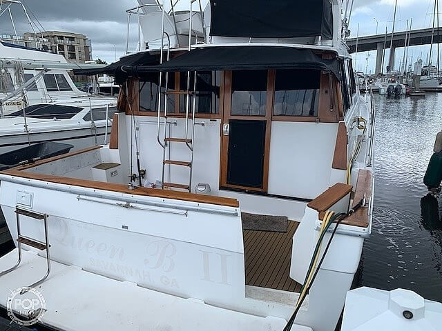 1990 Bayliner 3888 motoryacht Photo 6 sur 20