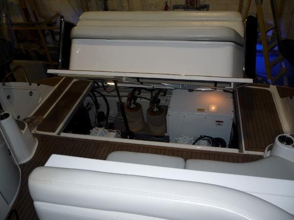 2004 Regal 4260 Commodore-HardTop Photo 40 of 50