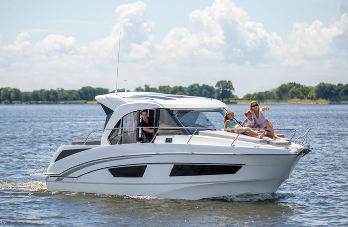 2021 Beneteau Antares 9 OB Photo 2 of 11