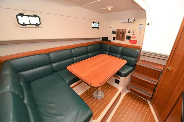 2000 Mainship 34 Pilot Sedan Hard Top Photo 8 sur 52