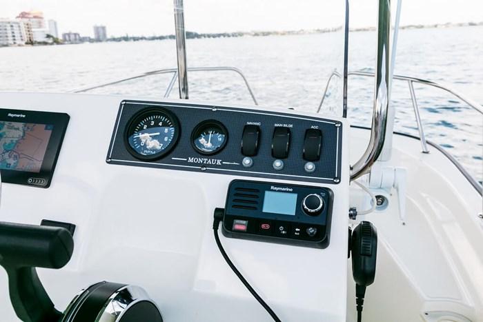 2021 Boston Whaler 150 Montauk Photo 4 sur 12