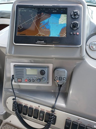 2005 Cruisers Yachts 340 Express Photo 20 of 21