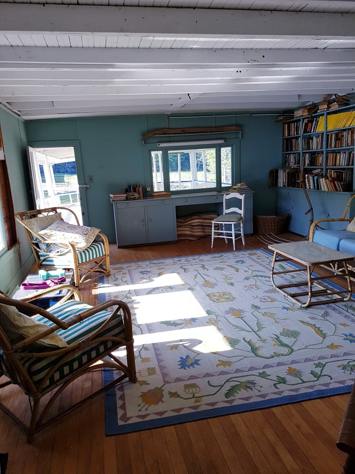 1913 1913 106′ x 21′ Historic Houseboat - Project boat Photo 14 of 39