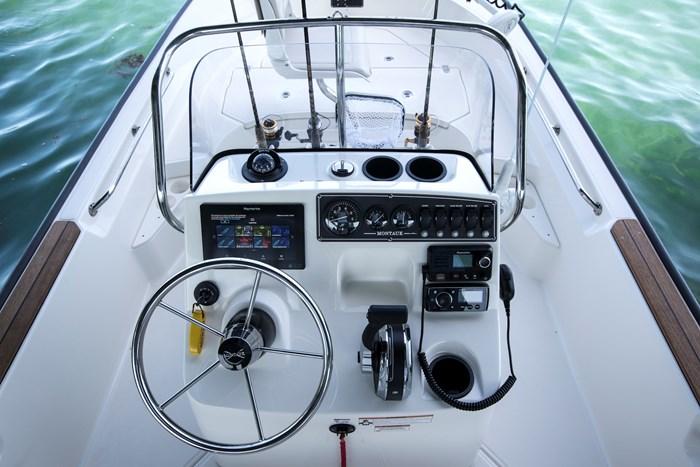 2021 Boston Whaler 170 Montauk Photo 3 sur 6