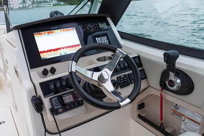 2021 Boston Whaler 240 Vantage Photo 4 sur 9