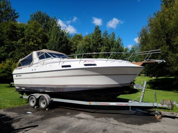 1990 Cruisers Yachts 2660 Vee Sport Photo 1 of 11