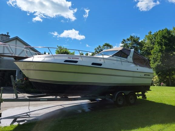 1990 Cruisers Yachts 2660 Vee Sport Photo 2 of 11
